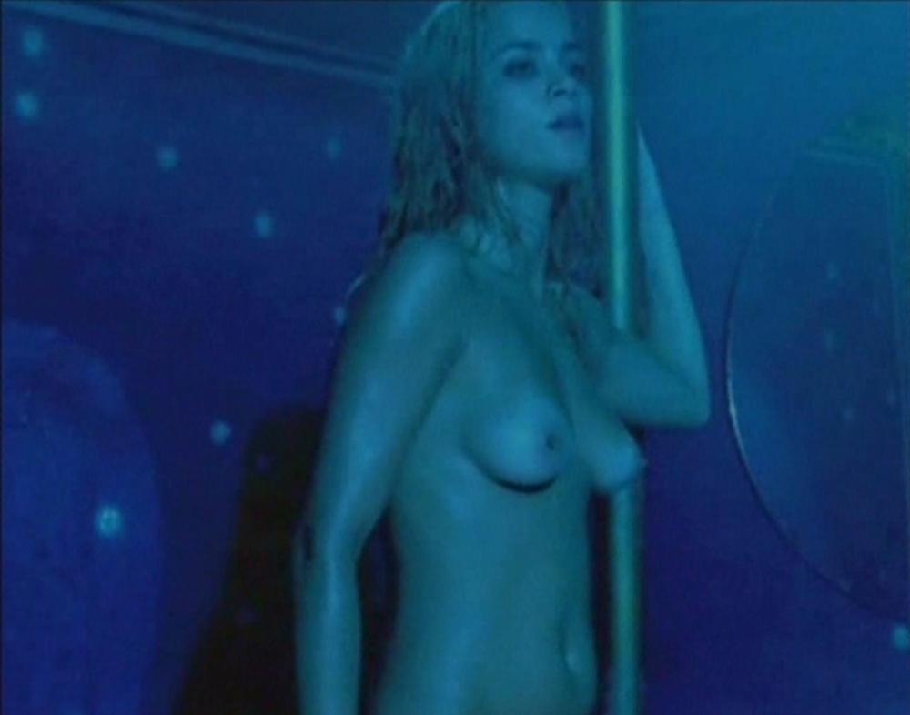 Free preview of alice isaaz naked in elle